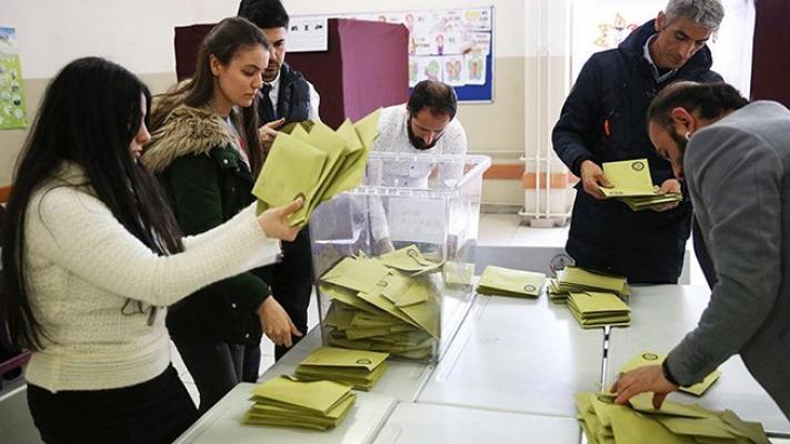 AK Parti, oyların yeniden sayılmasını istedi