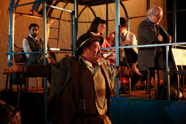 """İBB Şehir Tiyatroları'nın Yeni Oyunu """"Mavi Kuş"""" Seyirciyle Buluşuyor"""