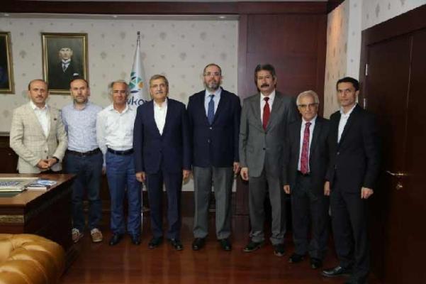Başkan Murat Aydın'a Üniversitelerden Nezaket Ziyareti Sürüyor