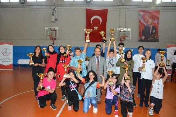 Çekmeköy Spor Şenliği'nde 8 Bin Öğrenci 11 Branşta Yarıştı