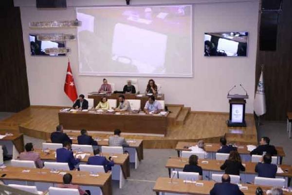 Belediye Meclisi Resmi Tatile Girdi