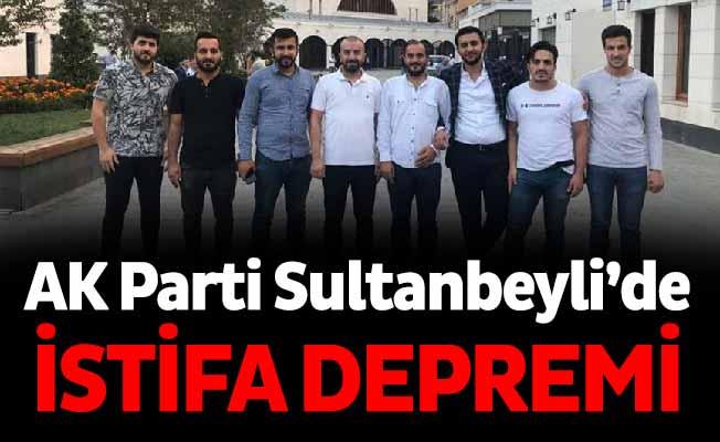 AK Parti Sultanbeyli'de istifa depremi