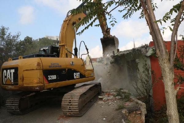 Kartal'da Yıkılacak Binalara 'Asbestten Temizleme' Şartı