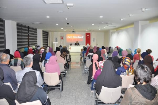 Ümraniyeliler Yavuz Bahadıroğlu ile Tarihe Yolculuk Yaptı