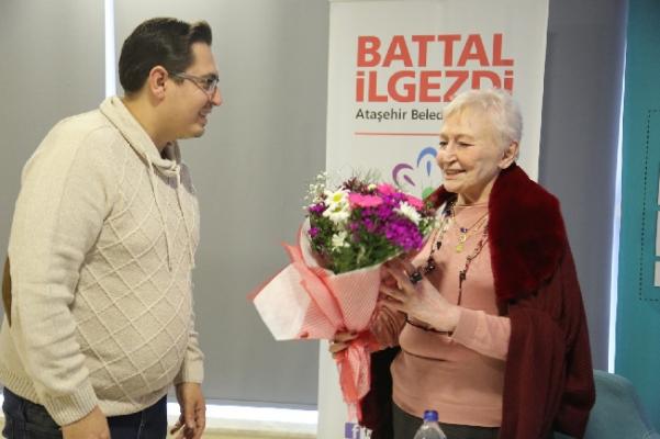 Pınar Kür Ataşehir'de Okurlarıyla Bir Araya Geldi