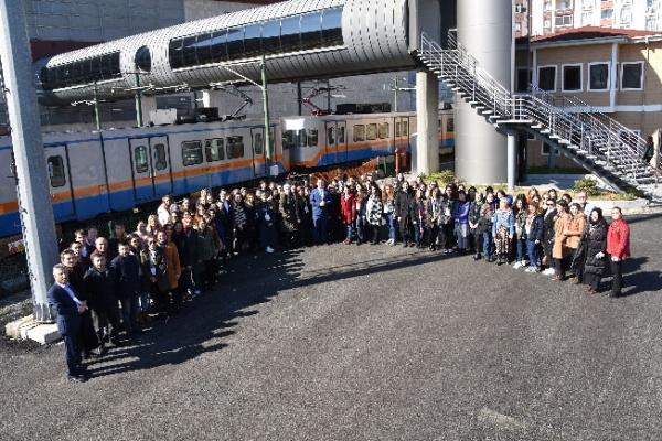 İstanbul'a Yeni Kadın Tren Sürücüleri Geliyor