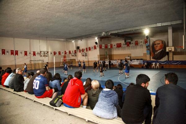 Kartal Belediyesi 2020 Voleybol Turnuvası Başladı