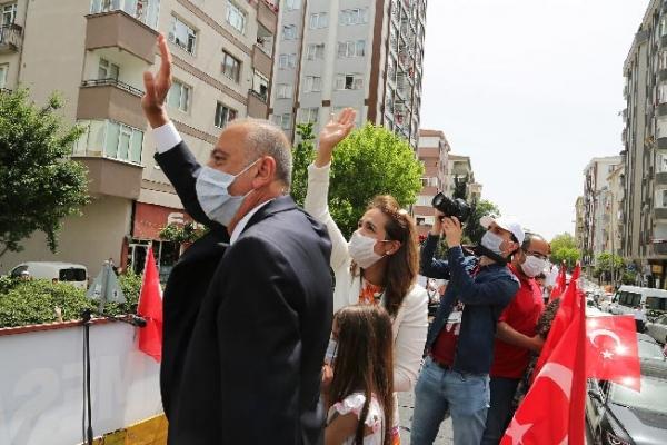 19 Mayıs Coşkusu Ataşehir'de Evlerden Taştı