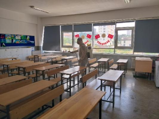 Kartal Belediyesi'nden YKS Öncesi Okullarda İlaçlama