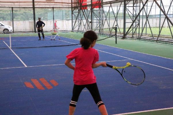 Ümraniye'de Tenis Dersleri Yeniden Başladı