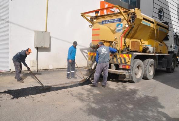10 ayrı ekip kentin dört bir yanında asfalt seriyor