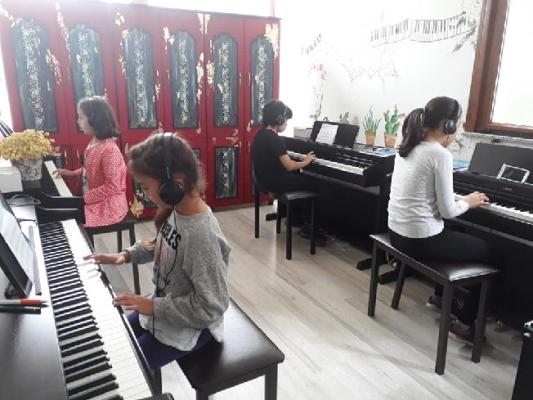 Barbaros Güzel Sanatlar Akademisi Geleceğin Sanatçılarını Yetiştiriyor
