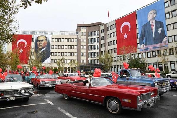 Kadıköy'de coşkulu kutlama