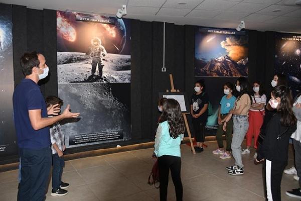 Teleskop İle Jüpiter'i Gözlemlediler
