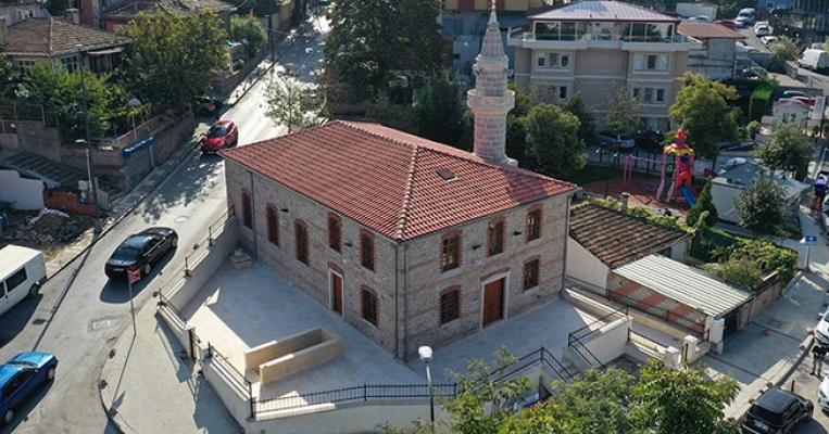 Burhaniye Camii yeniden ibadete açıldı