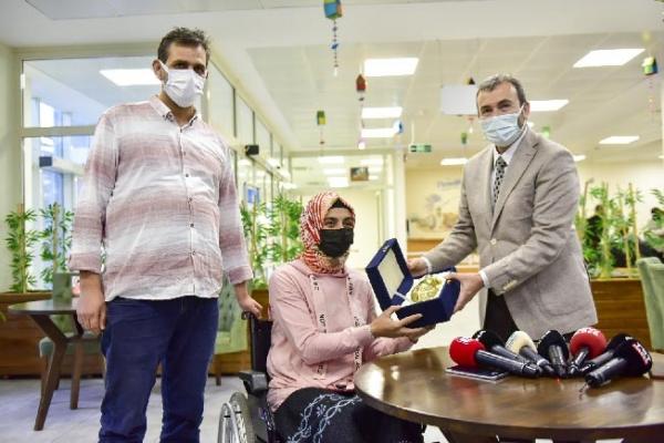 Engel tanımayan çifte Ahmet Cin'den düğün hediyesi