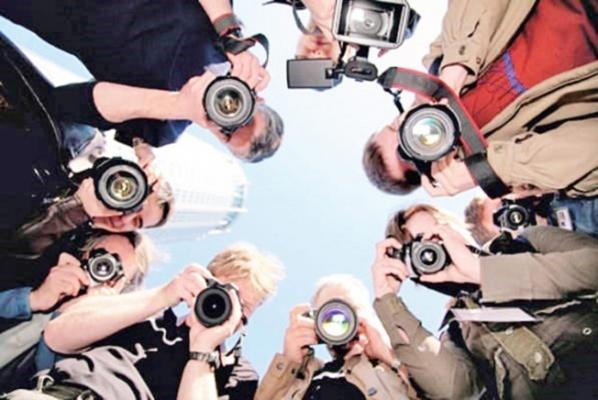 """Gürer: """"Gazetecilik mesleği zorlu bir süreçten geçiyor"""""""