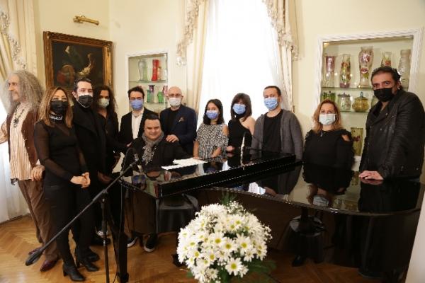 Barış Manço Anısına Düzenlenen Konser Evinize Geliyor