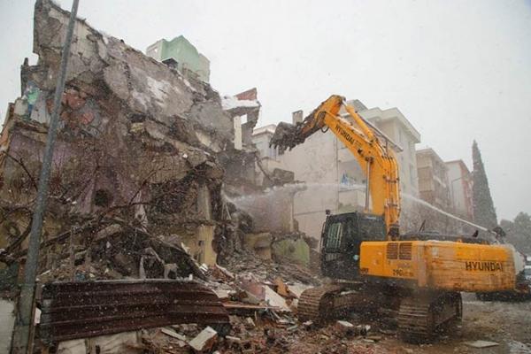 Kartal'da Kentsel Dönüşüm Pandemi ve Kış Koşullarına Rağmen Devam Ediyor