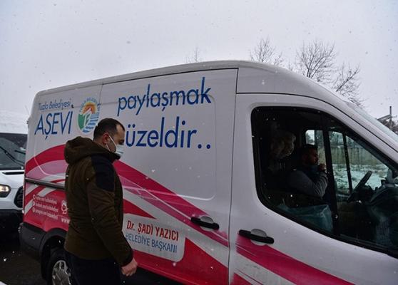 Tuzla'da Yoğun Kar Yağışı Sırasında 8 Bin Kişilik Sıcak Yemek Dağıtıldı