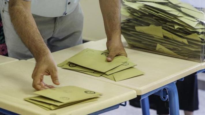İstanbul'da 14 Mahallede Seçim Heyecanı