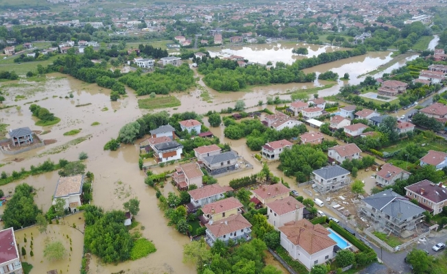 Şile'de bir mahalle sular altında kaldı