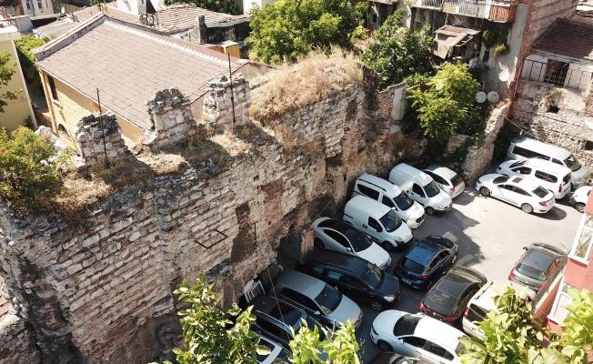 Tarihi Liman otopark olarak kullanılıyor