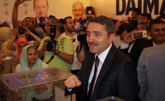 AK Parti'de İstanbul genelinde delege seçimleri yapıldı