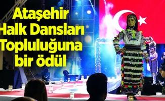 Ataşehir Halk Dansları Topluluğuna bir ödül
