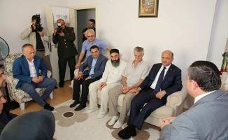 Bakan Fikri Işık'tan şehit ailesine ziyaret