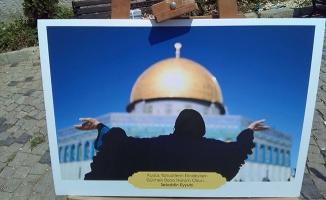 Saadet Üsküdar İsrail Zulmü'nü resimlerle anlattı