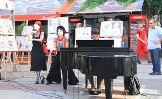 Kartallı Sanatseverler Yaz -Sanat Çadırı'nda Buluşuyor