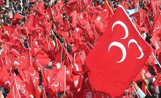 MHP'de yeni parti için 625 istifa