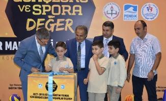 Pendik'te 146 okula spor malzemesi desteği