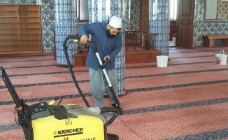 Ümraniye'de bayram sonrası toplu temizlik
