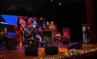 Kültür Sezonu Açılışında Mümin Sarıkaya'ya Koray Avcı Sürprizi