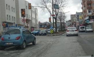 Üsküdar'da bir garip olay! Bu nasıl parklanma?