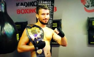 Haldun Alagaş'ta boks şöleni yaşandı