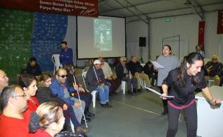 Kartal'da Görme Engellilere Özel Anlamlı Gösteri