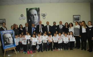 Kartallı Minikler Uğur Mumcu'yu Satranç Turnuvası'nda Andı