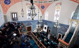 Restore edilen tarihi Çinili Camii ibadete açıldı