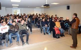 Tuzla Belediyesi Gençlik Merkezi'nde Motivasyon Semineri yapıldı