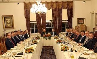 Başkan Uysal ilçe belediye başkanlarıyla istişare toplantısı yaptı