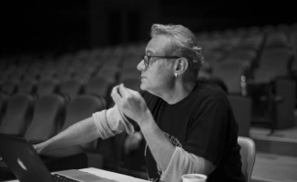 Tiyatro sahnelerine damgasını vuran İsim: Engin Alkan