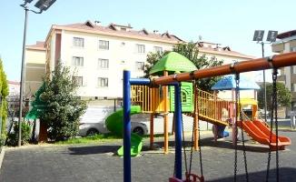 Tuzla Belediyesi, parklarda güneş enerji panelleri kullanmaya başladı