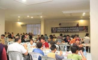 Vatandaşlar Kartal Belediyesi İftar Sofralarında Buluşuyor