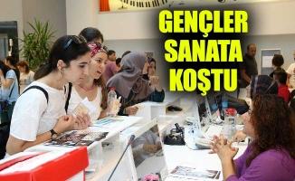 GENÇLER SANATA KOŞTU