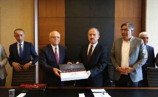 Kaymakam Karamehmetoğlu'ndan Belediyeye Veda Ziyareti