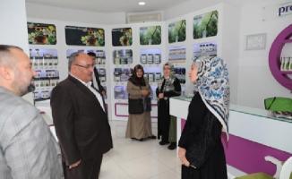Başkan Hasan Can, Prof. Saraçoğlu Mağazası'nın açılışına katıldı