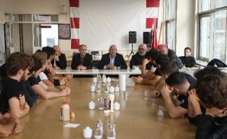 Altınok Öz Kartalsporlu Futbolcularla Bir Araya Geldi